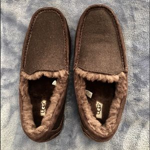 NEW MEN'S SIZE 10 Brown UGG Slippers/Shoes